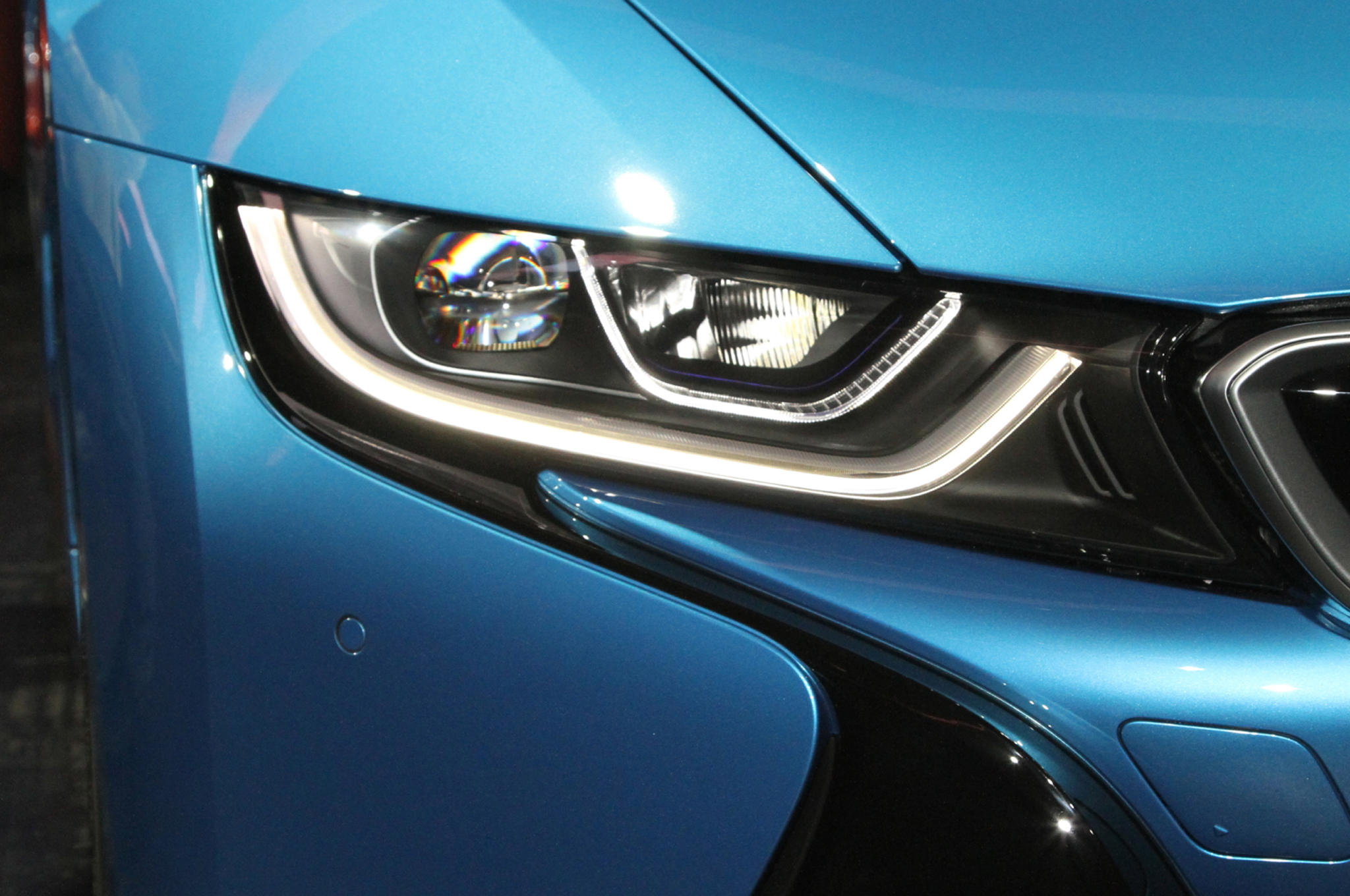 2014 BMW i8 plug in hybrid headlight