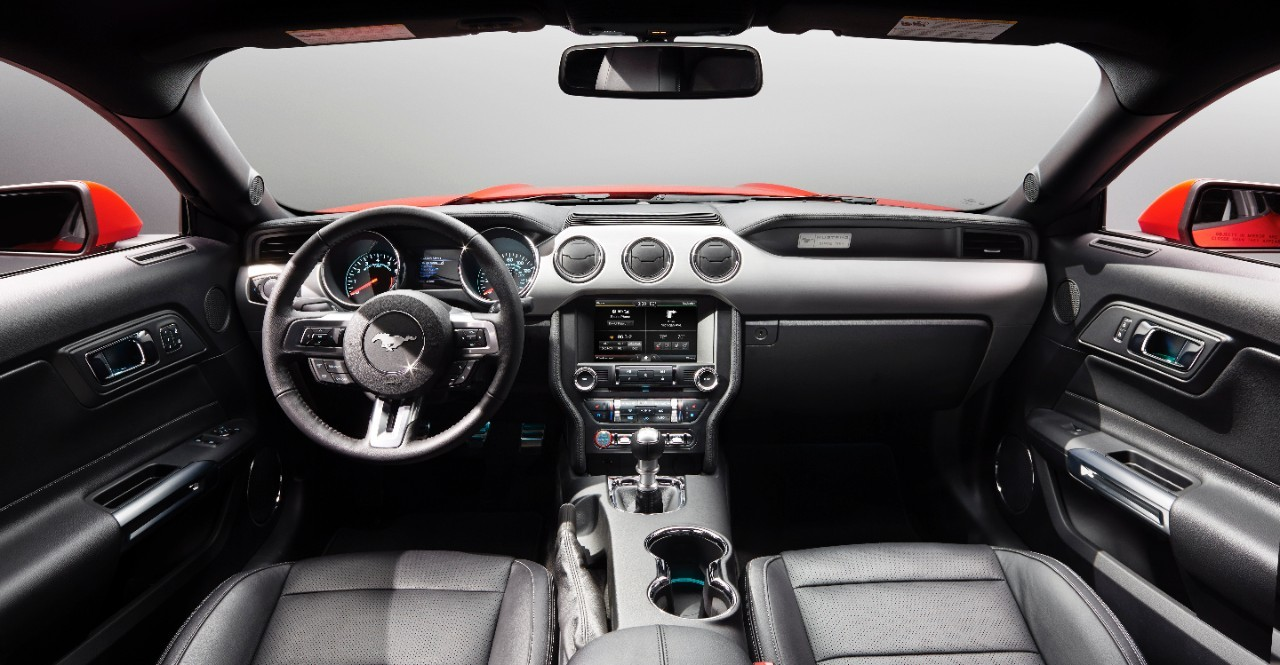 2015 ford mustang dashboard