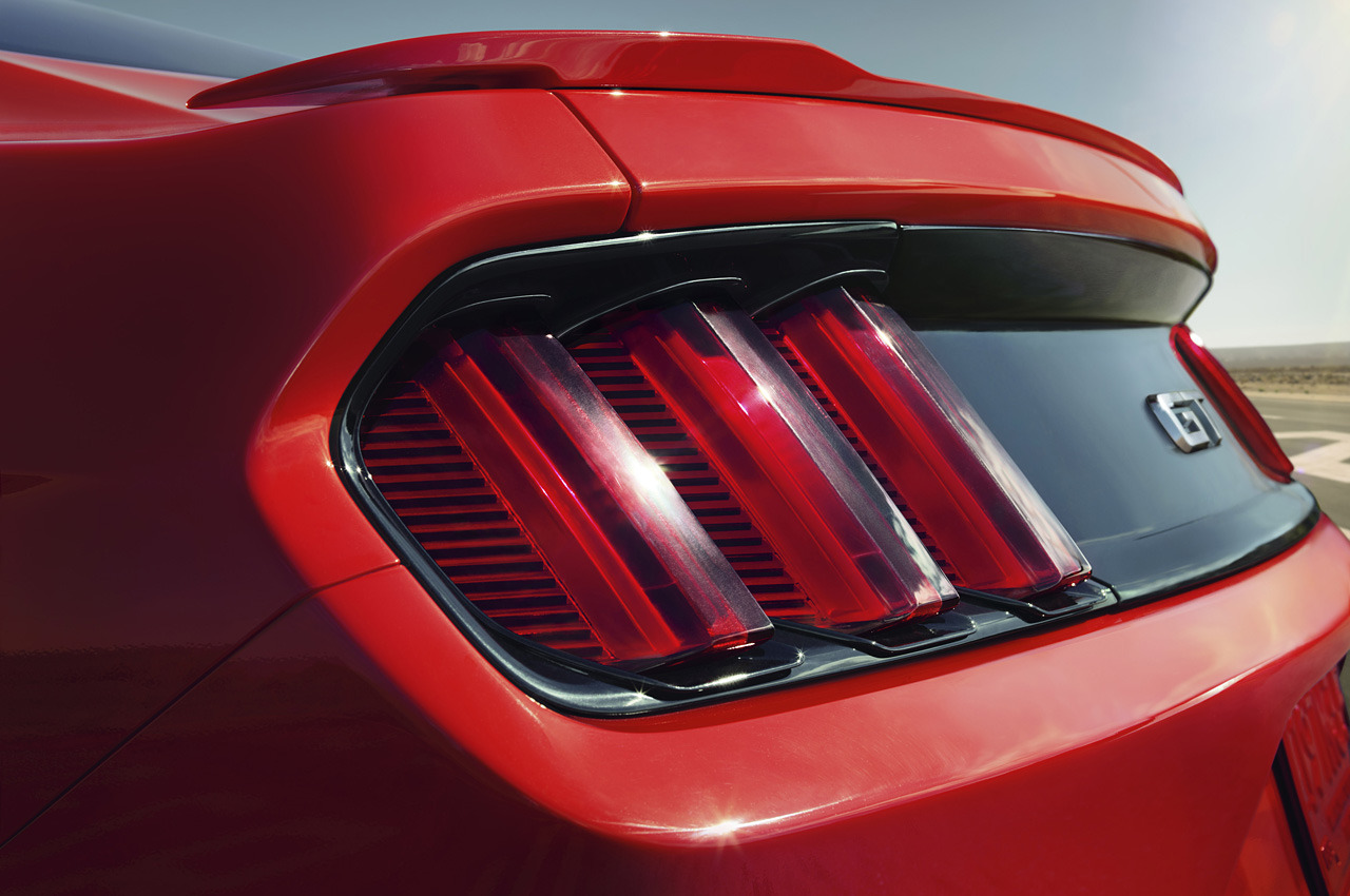 2015 ford mustang taillights