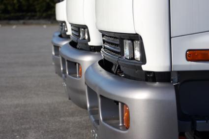 average used truck bumper pricing carsdirect. Black Bedroom Furniture Sets. Home Design Ideas