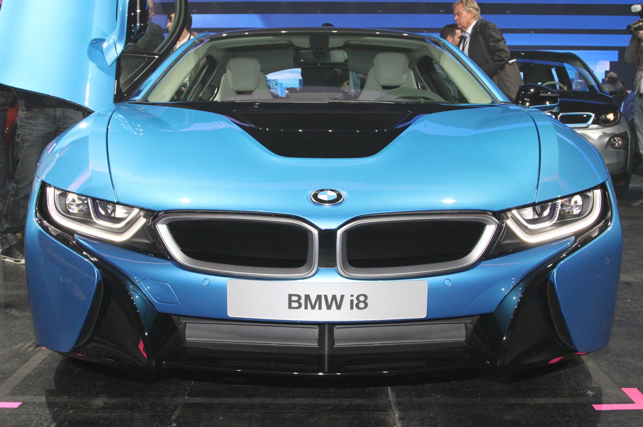 2014 BMW i8 plug in hybrid front end
